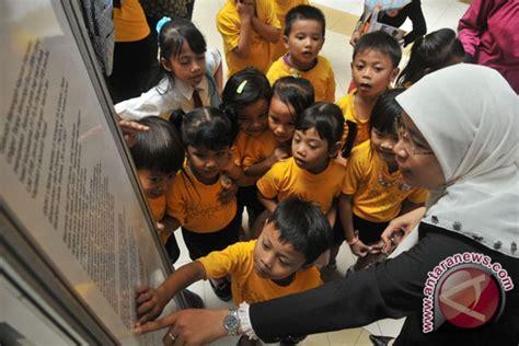 Hukum Pembuktian Panggabean Ori 1 uu hak anak akan lindungi anak antara news