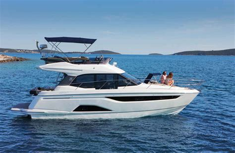 boat r motors motor boats overview bavaria yacht charter