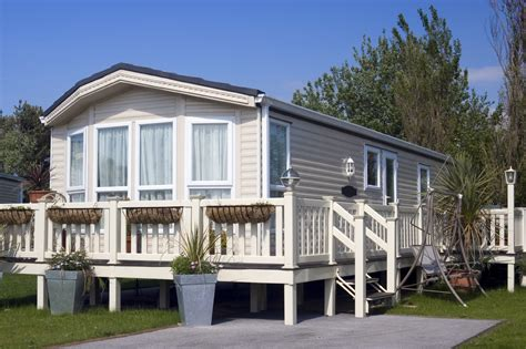 looking to buy a manufactured home 5 things you should