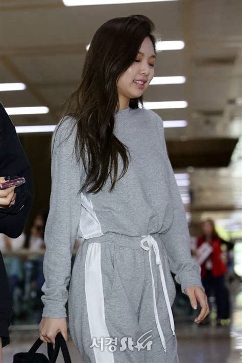 blackpink fashion airport celohfan oh celeb and fan picture blackpink jennie s