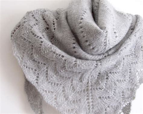 triangle lace pattern free pattern simplicity triangle shawl via ravelry work