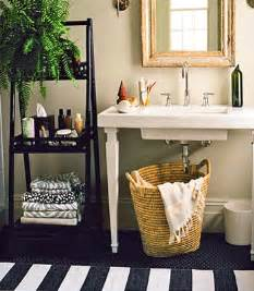 Decorating Ideas For Bathroom Shelves by Bathroom Ideas For Decorating With Green Wall Paint And