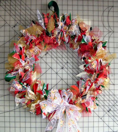 how to make wreaths how to make a tulle wreath 21 tutorials guide patterns