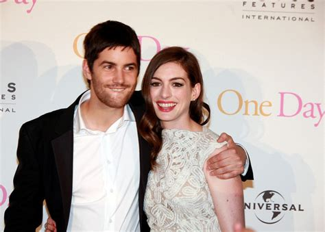 hathaway one day premiere with jim sturgess michibata katy perry cleavage army