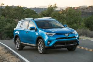 Toyota Ra4 2017 Toyota Rav4 Reviews And Rating Motor Trend