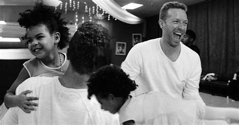 martin blue ivy chris martin and ballerina blue ivy play together in sweet