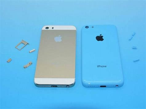 iphone 5 s colors apple s chagne iphone 5s and blue iphone 5c appear
