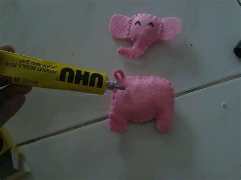 cara membuat gantungan kunci hp kreasi kain flanell cara membuat gantungan kunci hp gajah