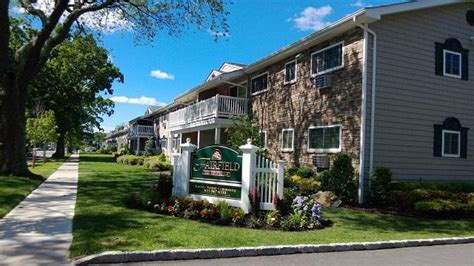 long island appartments fairfield plaza east at sayville the long island apartment finder