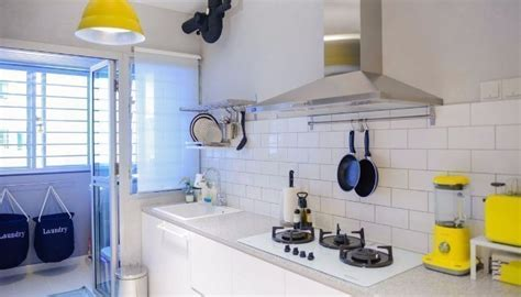 10 hdb kitchen that will suit you regardless of your budget 9 simply stunning hdb kitchens to suit every taste the