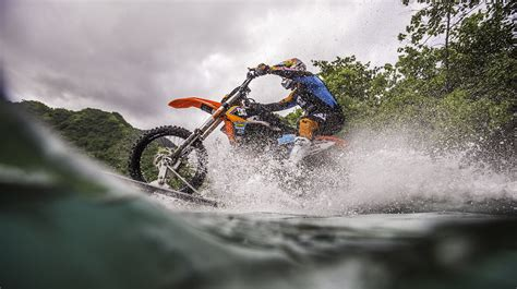 Wasser Motorrad by Robbie Maddison Speaks About The Decision To Surf On A
