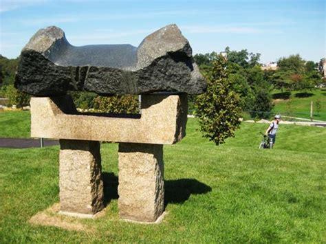 sculpture garden  open   philadelphia museum  art