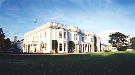 Henley Business School Mba by Henley Business School Has Climbed Up The Rankings In The