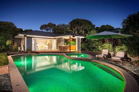 pool houses  complete  dream backyard retreat