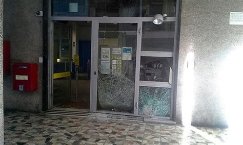 ufficio postale genova sestri ponente assalto all ufficio postale repubblica it