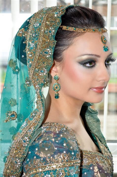 Hairstyles Accessories Bun by 10 Indian Bridal Hairstyles Hairdressing Uk