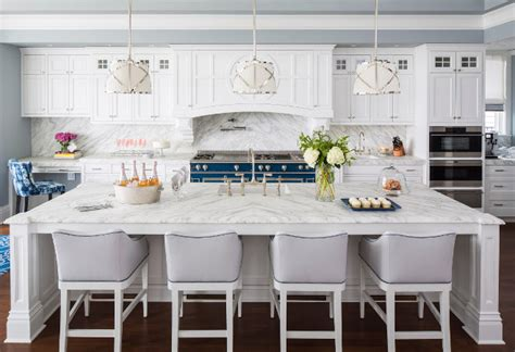 traditional coastal home  classic white kitchen home