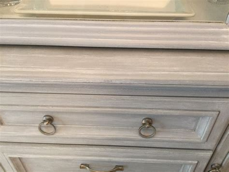 Sloan Gray Chalk Paint With White Wash