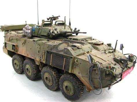 Miniatur Mobil Tank Piranha Lav Iii Infantry Fighting Vehicle Canada Miniature