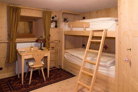camere con letti a foto con letto a di dgm falegnameria