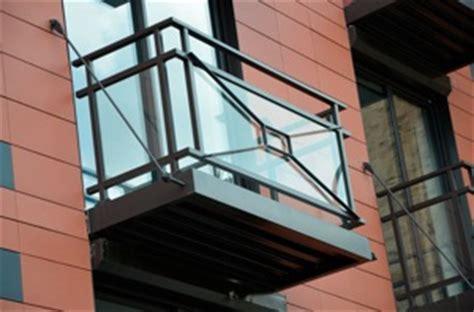 Comptoir Des Sanitaires by Construire Un Balcon Suspendu 28 Images Terrasse Bois
