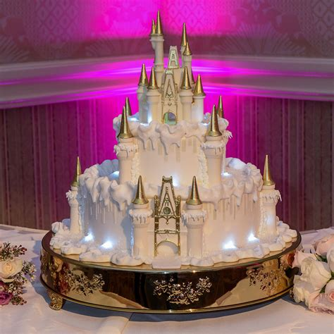 Wedding Cake Wednesday: Wintertime at Cinderella Castle   Disney Weddings