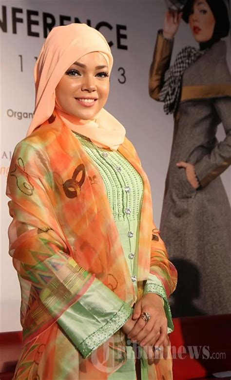 tutorial berhijab dewi sandra 10 hijab cantik ala dewi sandra killick tutorial