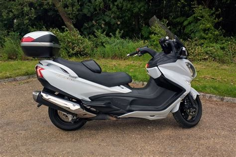 Suzuki Burgman 650 Review Suzuki Burgman 650 Executive 2016 Road Tests