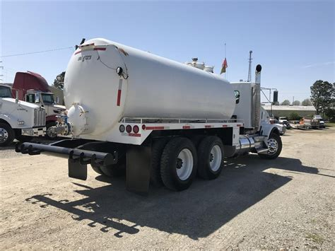 used t800 kenworth trucks for sale used 2009 kenworth t800 vacuum truck for sale 551310