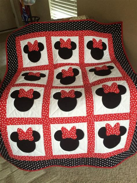 Minnie Mouse Quilt by Minnie Mouse Quilt Disney Quilt