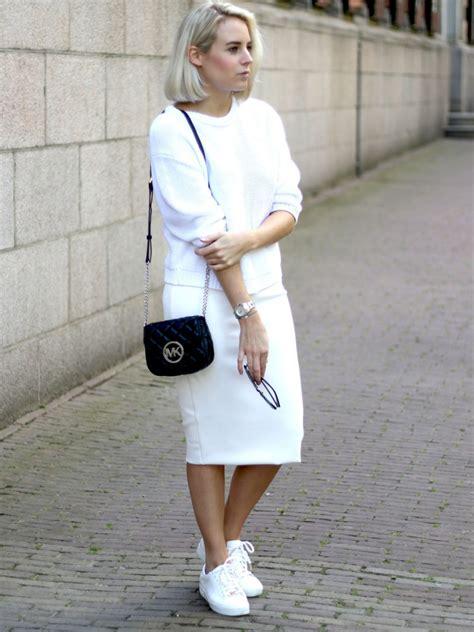 welke kleur draagt moeder van de bruid video interview met lian van fashion hoax follow fashion