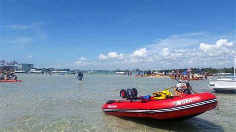 inflatable pontoon boat vs kayak boatstogo blog about inflatable boats inflatable rafts
