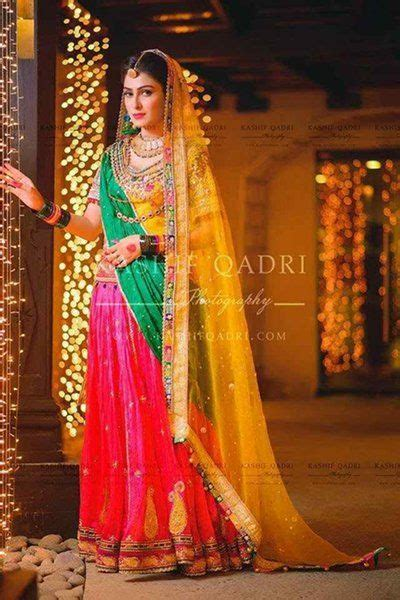 popular bridal mehndi dresses  beautiful designs