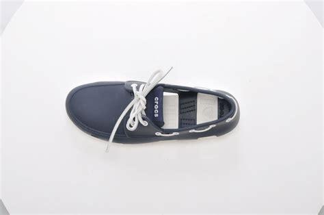 crocs boat shoes navy blue k 246 p crocs boat shoe men navy white bl 229 skor online