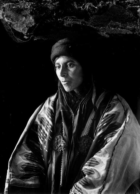 Striking photos of Bedouin nomads at the turn of the century