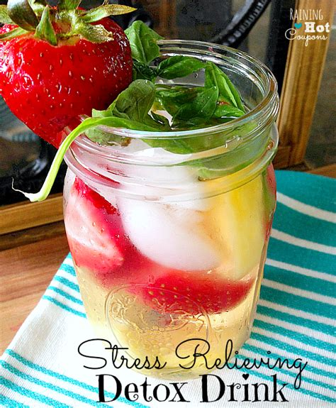 Detox Drinks With Strawberries 15 types of detox waters you must
