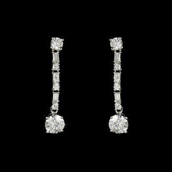 Silver Dangle With Cubic Zirconia P 1154 silver cubic zirconia dangle earrings e 11324