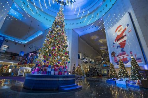 2018 christmas light displays in chicagland 13 spots in chicago for lights displays events