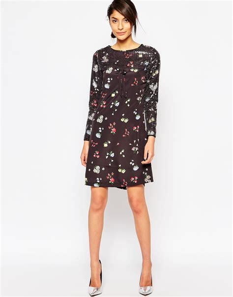 print shift dress lyst moschino floral print shift dress with sequin