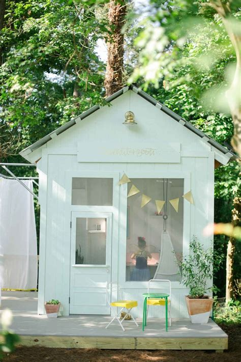 Handmade Home Playhouse - handmade savvy saturday the handmade home