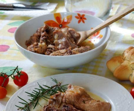 cucinare il coniglio con il bimby coniglio in umido la ricetta per preparare il coniglio in