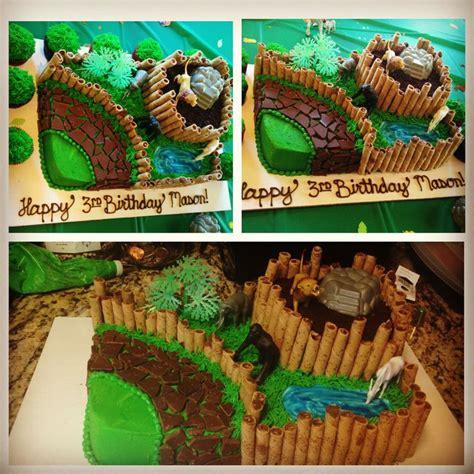 zoo themed birthday cake ideas 44 best zoo birthday cakes images on pinterest fondant