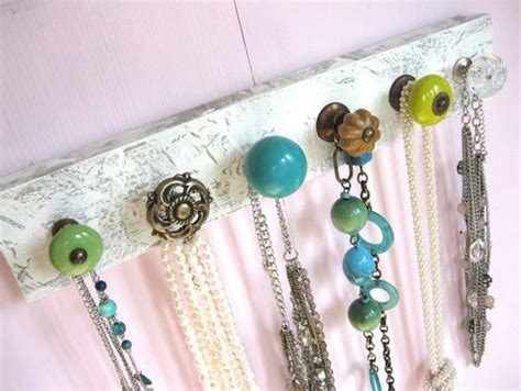 Door Knob Necklace Holder by Vintage Door Knobs And How To Give Them A New Purpose