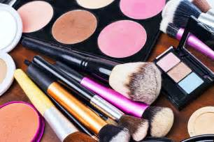 how to begin creating your professional makeup artist kit
