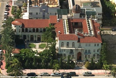 versace house south beach versace mansion is for sale the most infamous house in south beach five thot