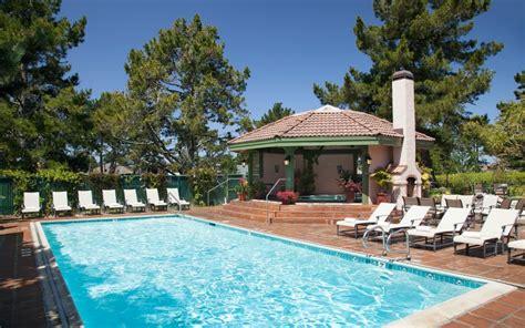 friendly hotels half moon bay half moon bay hotels half moon bay lodge official site hotels in half moon bay