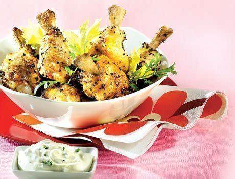 cuisiner un coq au four wings de poulet r 244 ties au four en barquette cookbox