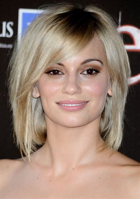 swing bob with side swept bangs 3 medium short hairstyle ideas for women women hairstyles