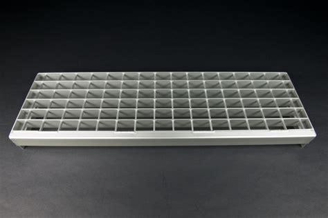 Treppenstufen Aus Metall by Gitterrost Treppenstufe Alu 600x235x73 Ma 32 46 Rotec