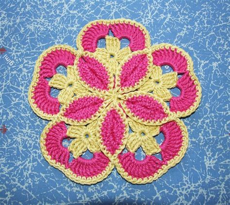 knit and crochet daily free pattern this starburst hotpad pattern is amazing
